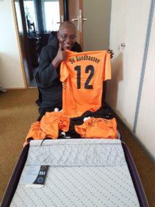 Trikots des SV Sandhausen gingen nach Tansania