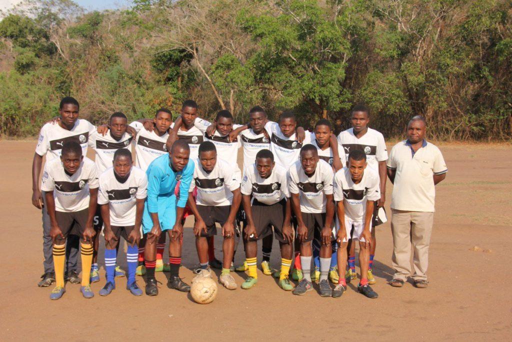 Sandhausen-Trikots in Tansania